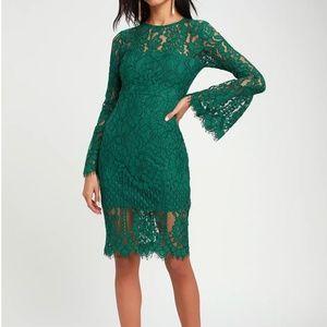NWOT Lulu's Bell Sleeve Lace Dress